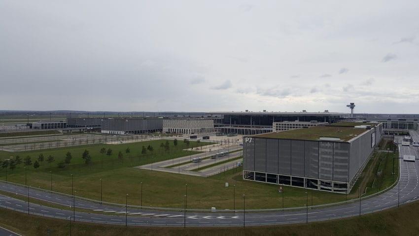 Vue aérienne du nouveau terminal et de ses alentours